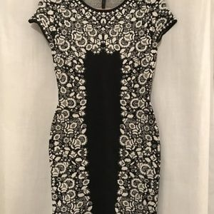 BCBGMaxAzria Dresses - BCBG Fabiana Floral Jacquard Dress - M
